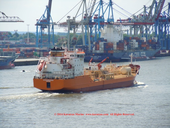 Stainless Steel Tanker MT Acquamarina (12,000 DWT,  20 Segregations, Cargo Tanks, Cargo Manifolds) Hamburg Port Call in May 2014