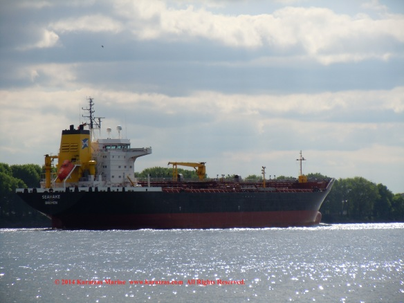 MT SEAHAKE 32,000 DWT Handysize Product Tanker built in 2003 at Lindenau