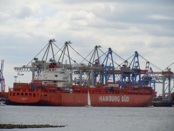MV 'RIO BLANCO' (5,905 TEU, Post-panamax, fully-cellular Containership, built in 2009)