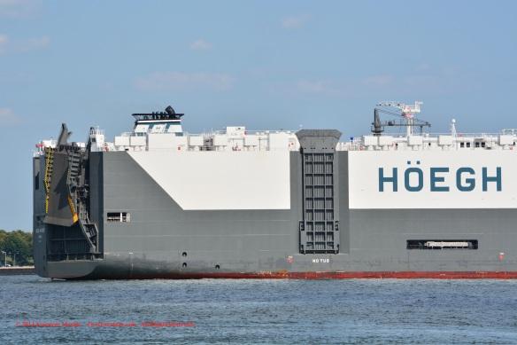 MV HOEGH ANTWERP 10