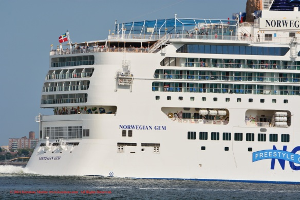 MV NORWEGIAN GEM 12