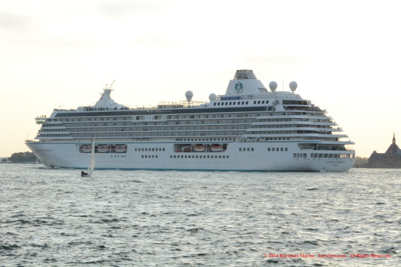 MV CRYSTAL SERENITY 8